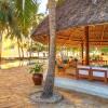Bluebay Beach Resort & Spa Pool-Bar1